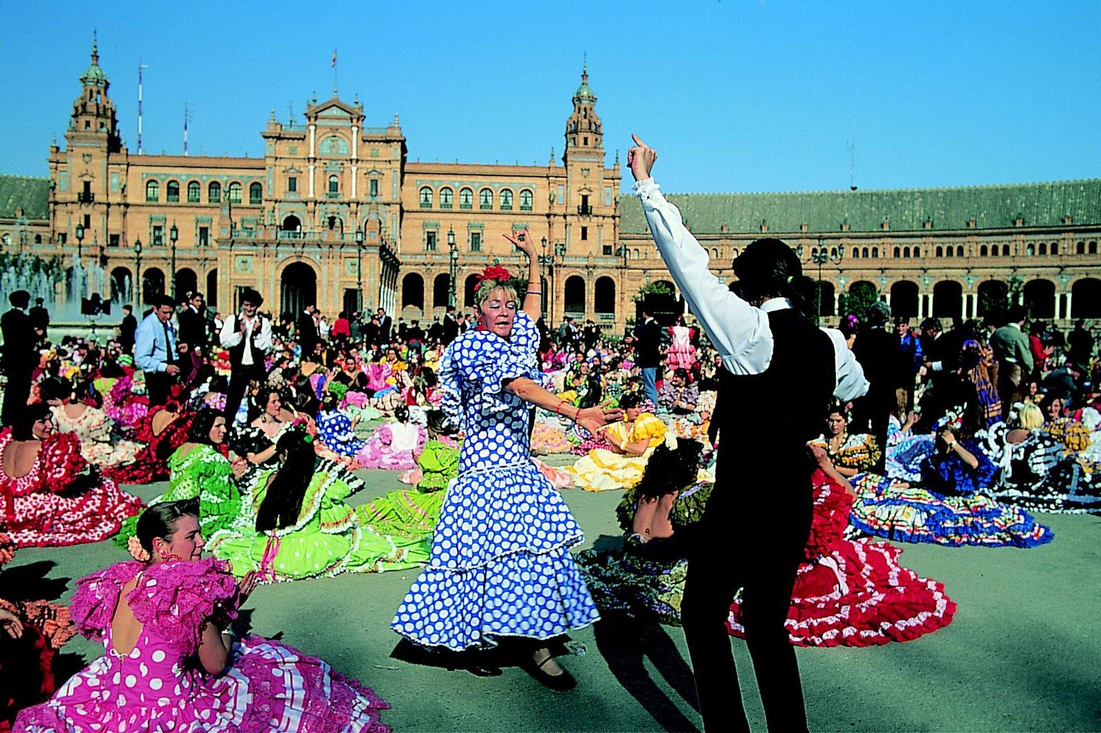 Севильянес, всадники, яркие платья, фламенко и коррида Севилья