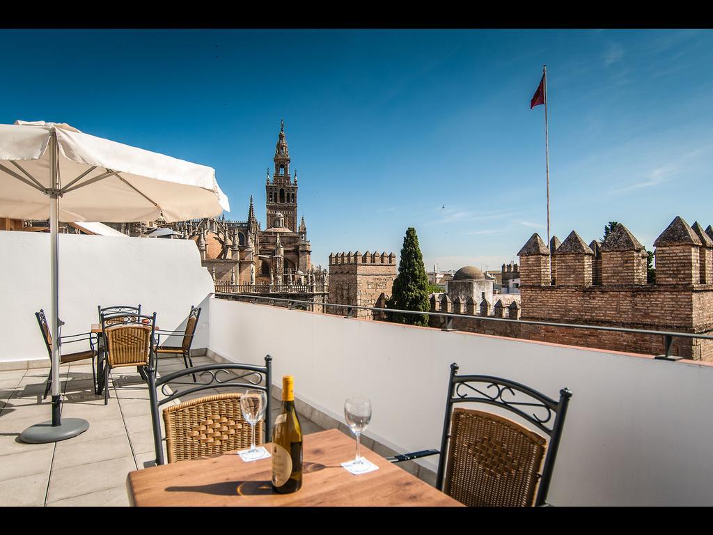 Панорама с открытой терассы отеля Suites Murillo