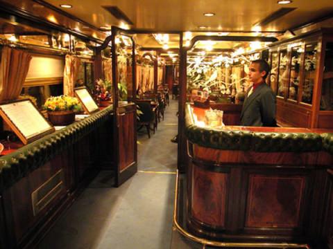Бар в поезде-отеле Al-Andalus
