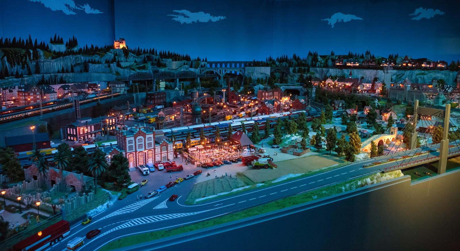 Живописный ночной город