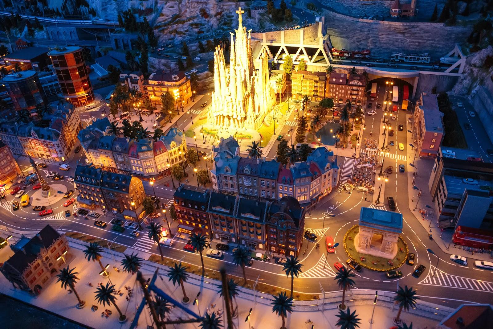 Впечатляющая подсветка городов
