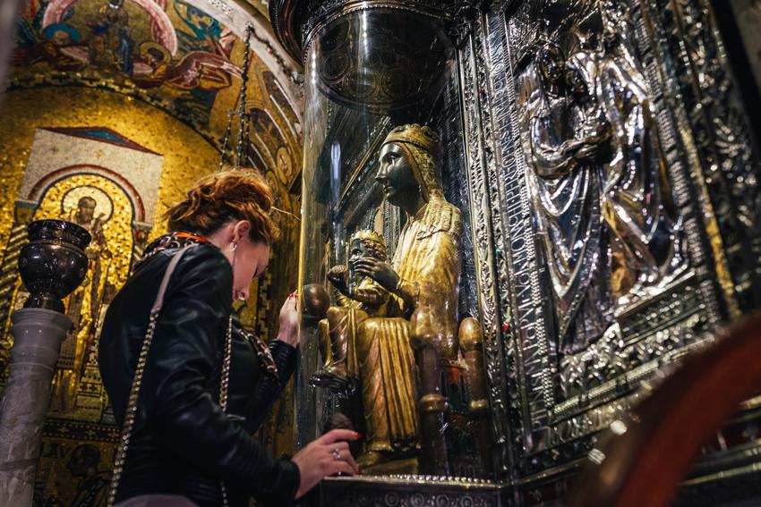 Экскурсия к Чёрной Мадоне в Монтсеррат из Салоу